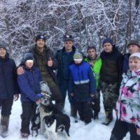 собаки спасли подростков